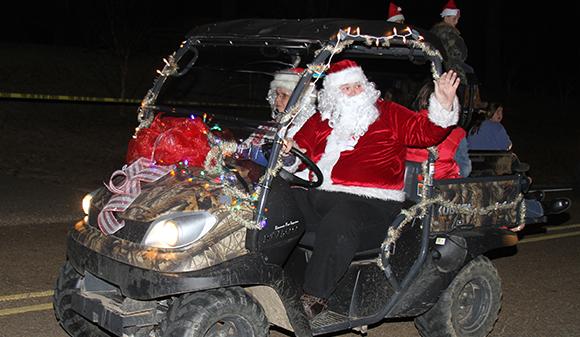 Redneck Christmas.Big Creek S Redneck Christmas Parade