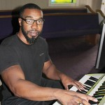 Powerlifting piano player Yarnell Marks