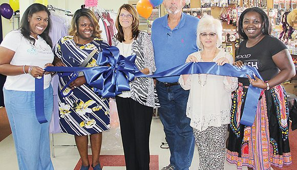 Tedford's Treasure & Snack Box Ribbon Cutting